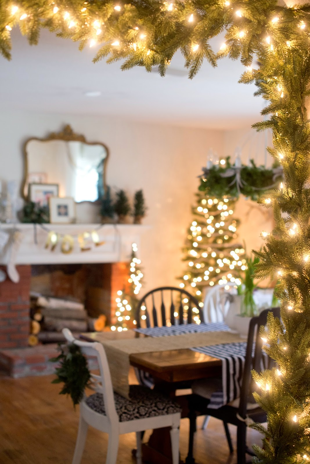 Christmas Dining Room Domestic Fashionista Rustic And Natural Christmas Dining Room