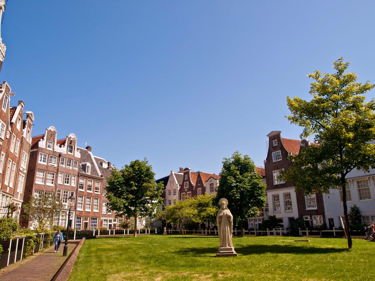 Jardín del Begijnhof Amsterdam