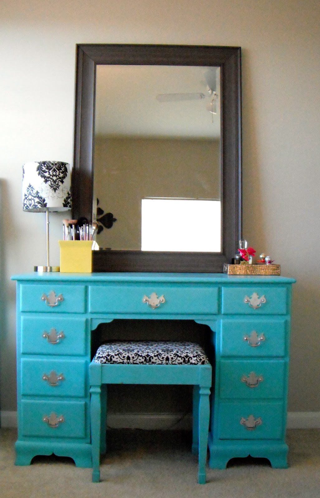 Lovely Life Desk Turned Makeup Vanity