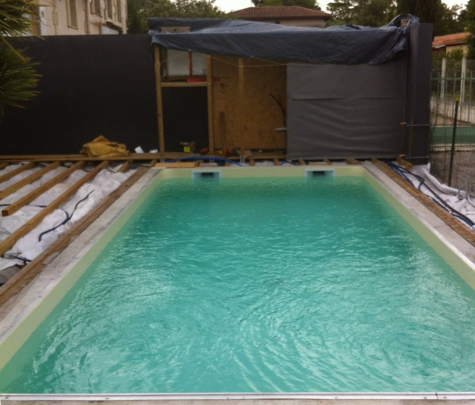 Projet tapes de construction d 39 une piscine en for Fabricant de liner piscine