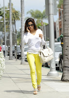 Eva Longoria looks hot in white top and yellow pants