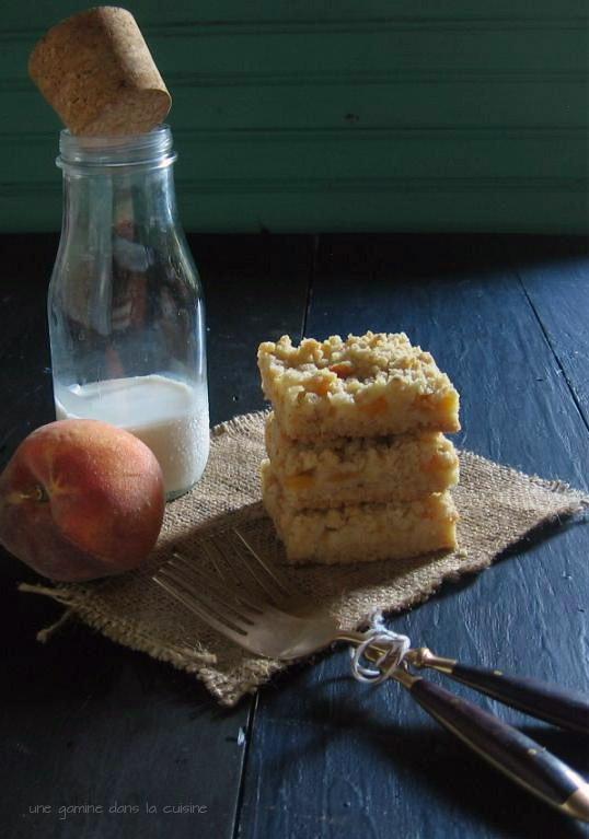 brown butter peach crumb bars | une gamine dans la cuisine