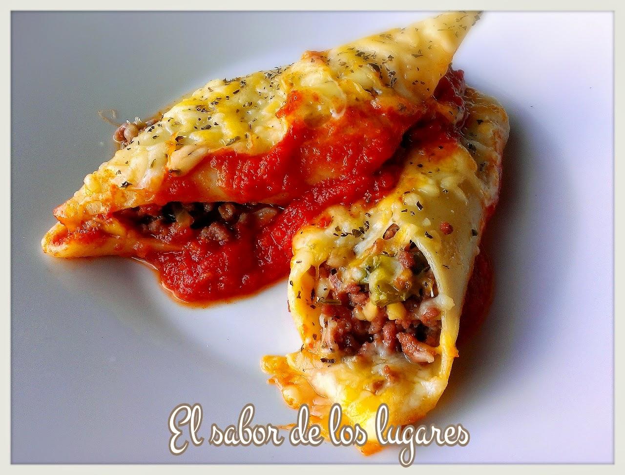 Pennoni rellenos de carne en salsa de tomate - Chipirones rellenos en salsa de tomate ...