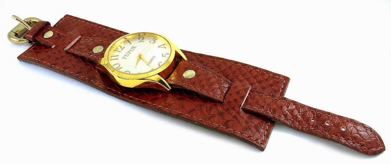 relogio com bracelete couro marrom