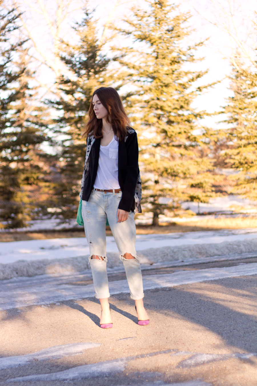 boyfriend jeans, dressing up boyfriend jeans, sheer blazer, floral blazer, casual work