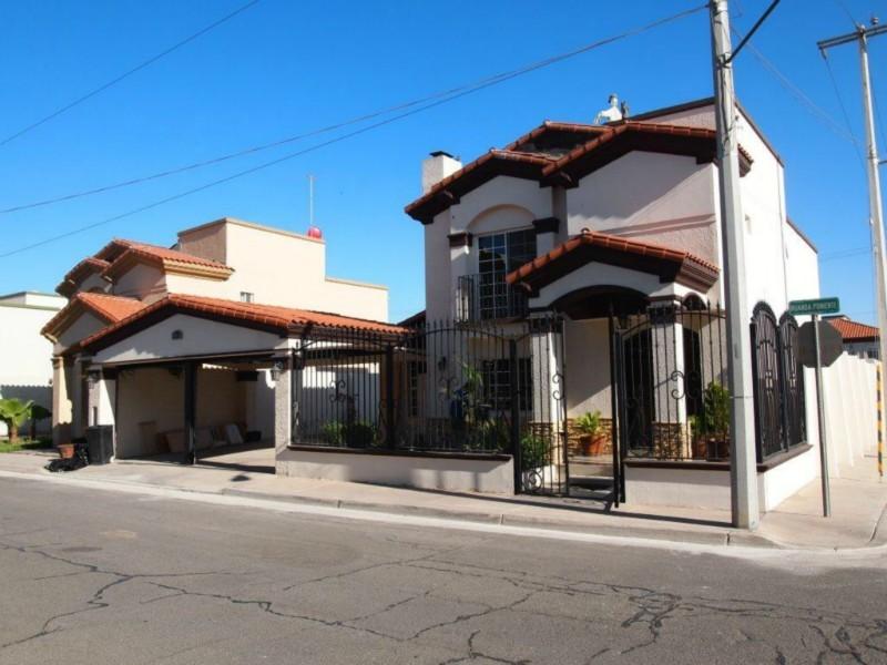 Fachadas mexicanas y estilo mexicano fachada mexicana con for Fachada de casas modernas con tejas