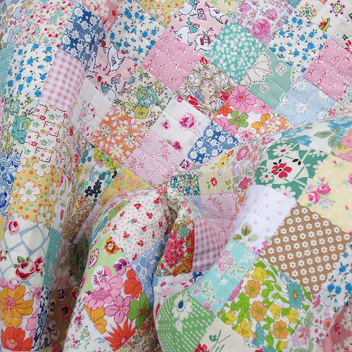 Quilt Patterns With Floral Fabric : Red Pepper Quilts: Scrappy Liberty Patchwork Quilt