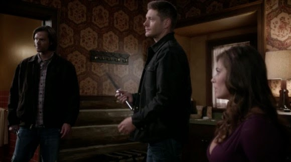 Supernatural S10E07. Sam y Dean ayudan a una chica.