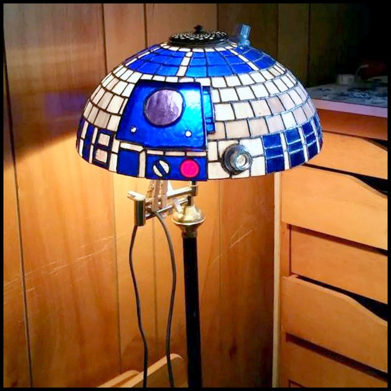 Dollar store crafter diy stained glass r2d2 lamp shade diy stained glass r2d2 lamp shade mozeypictures Image collections