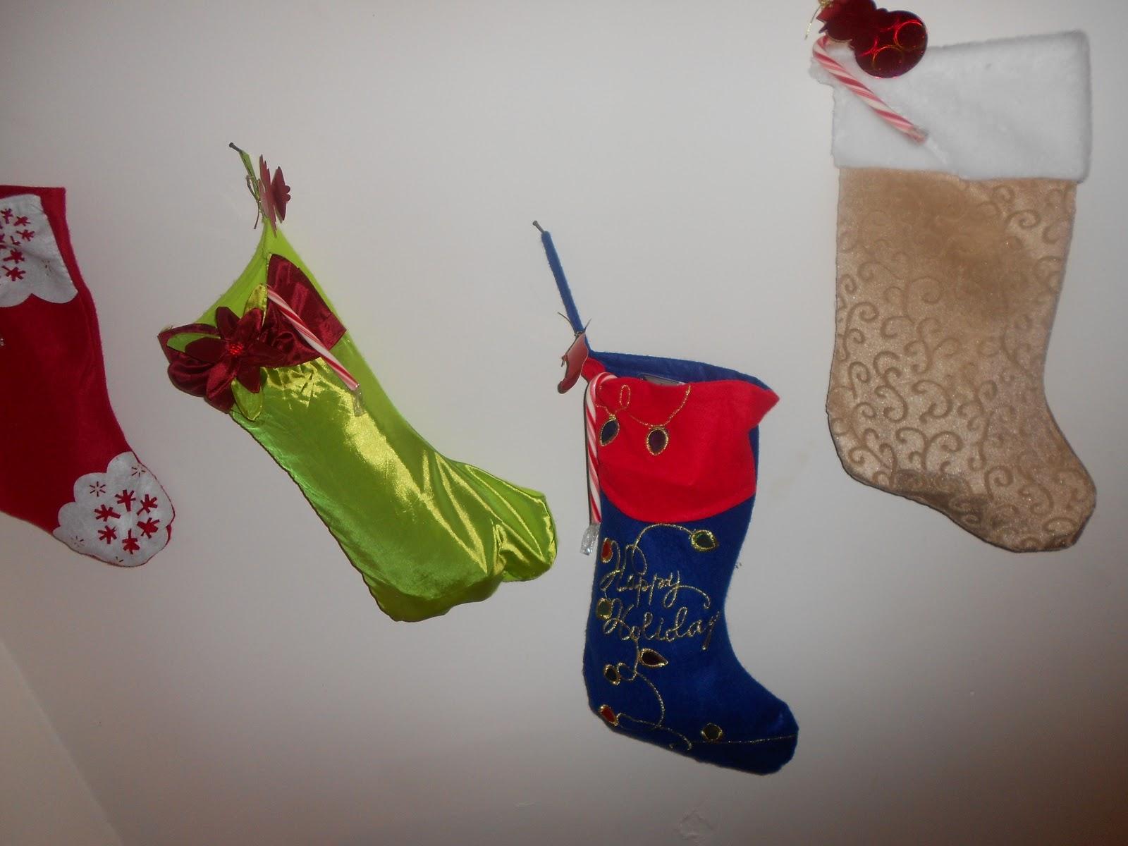 http://1.bp.blogspot.com/-dxNhZDk8QaI/Tvf1ZIpCHTI/AAAAAAAAEOY/ZdxjSxHTb0E/s1600/Christmas+2011+006.JPG