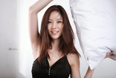Han Min Young Sexy Black Night Gown