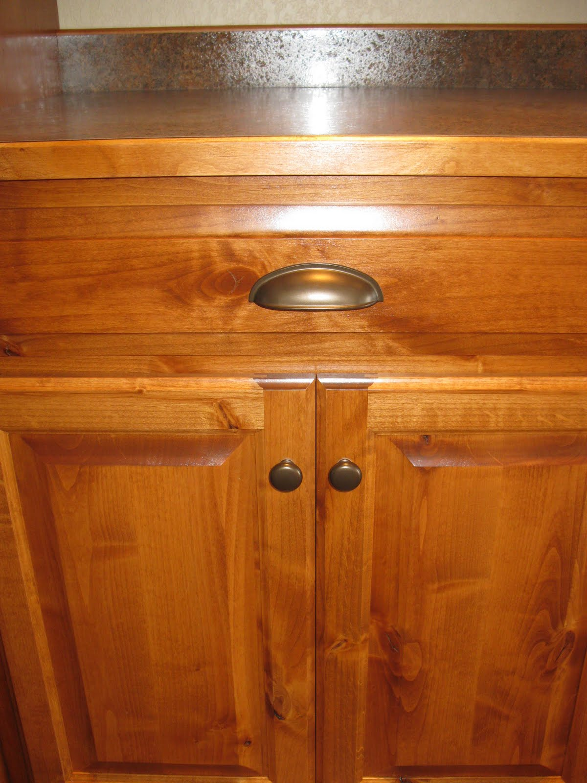 Oak Kitchen Cabinets With Bronze Hardware – Quicua