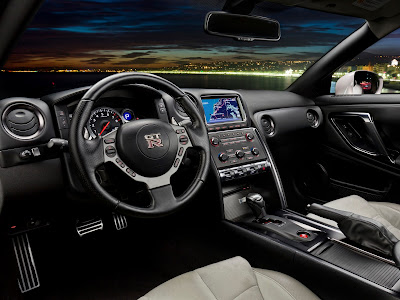 Nissan GT-R, interior