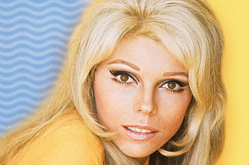Nancy Sinatra - How Does That Grab You?