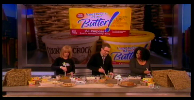 Ted Allen cooking with Sherri on The View #TedAllenG2K