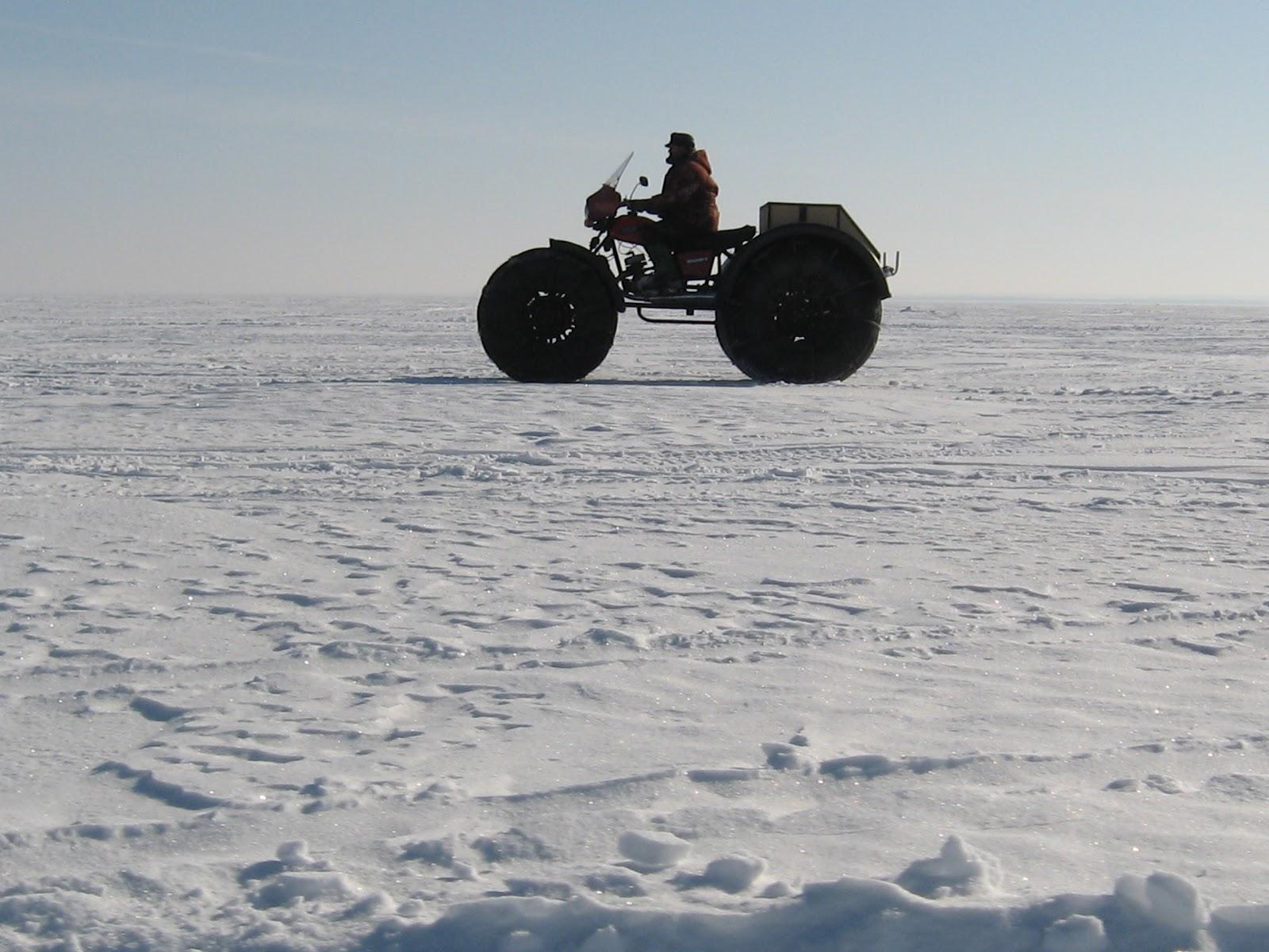 Каракат - отличный выбор транспорта для зимней рыбалки