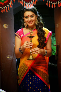 Hansika Motwani in Lovely Saree Stunnign Pics from movie Aranmanai