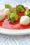 Моцарелла в клубничном соусе