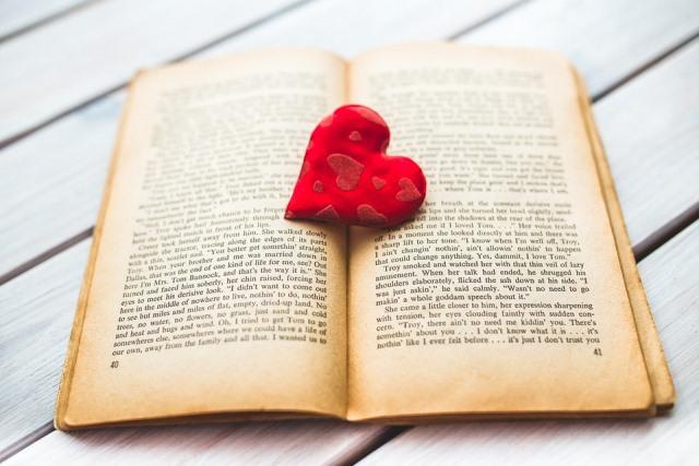 Buku Bertema Pernikahan
