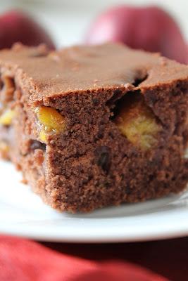 Ciasto czekoladowe z nektarynkami