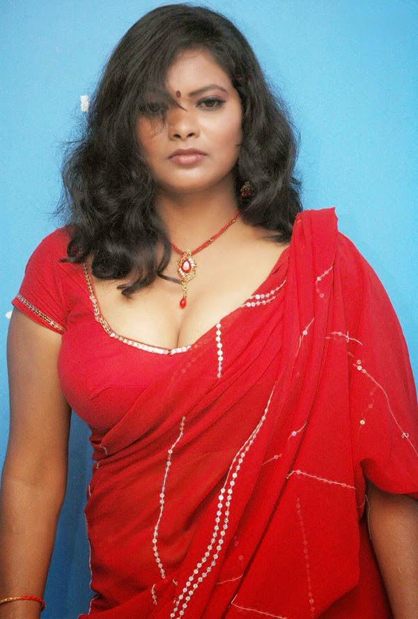 SabHot: Tight Blouse Show Image