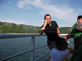 La plimbare cu vaporul pe lacul Izvorul Muntelui, 22.V.2011...