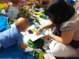 Para los bebés los cuentos son emoción y ritmo a través de las palabras.