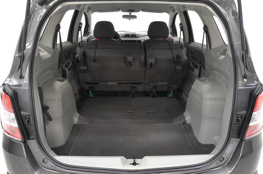 chevrolet spin fotos consumo pre o e especifica es t cnicas car blog br. Black Bedroom Furniture Sets. Home Design Ideas