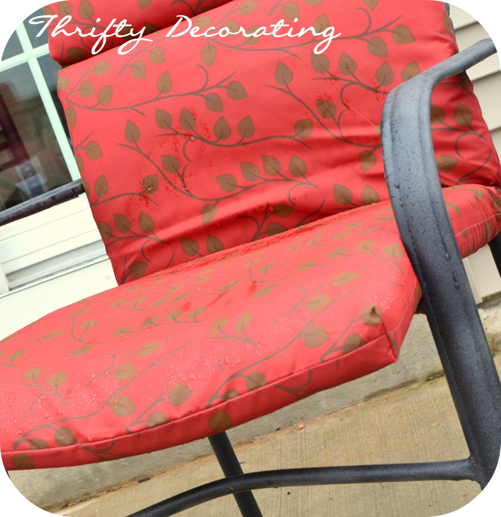 Spraypainted Patio Furniture Redo. - Thrifty Decorating: Spraypainted Patio Furniture Redo...