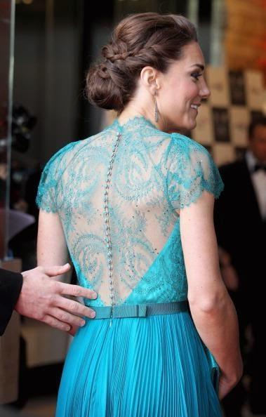 Gaun Transparan di punggung milik Kate Middleton