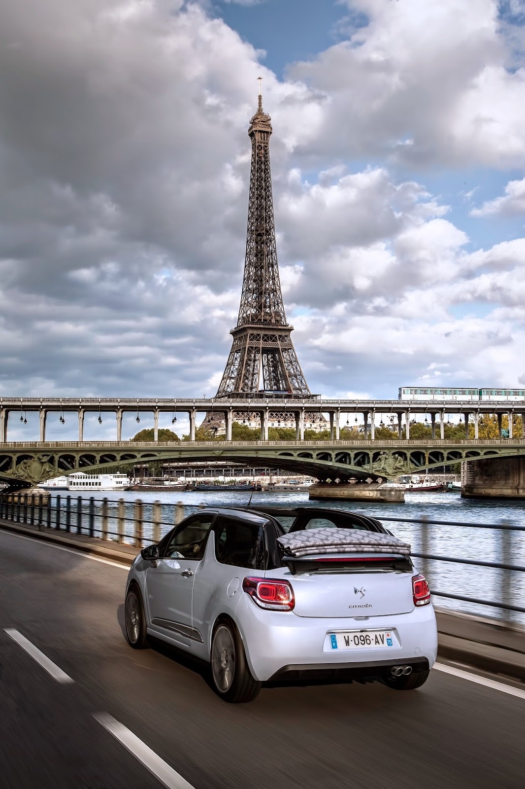 voiture du futur full leds active city brake euro 6. Black Bedroom Furniture Sets. Home Design Ideas