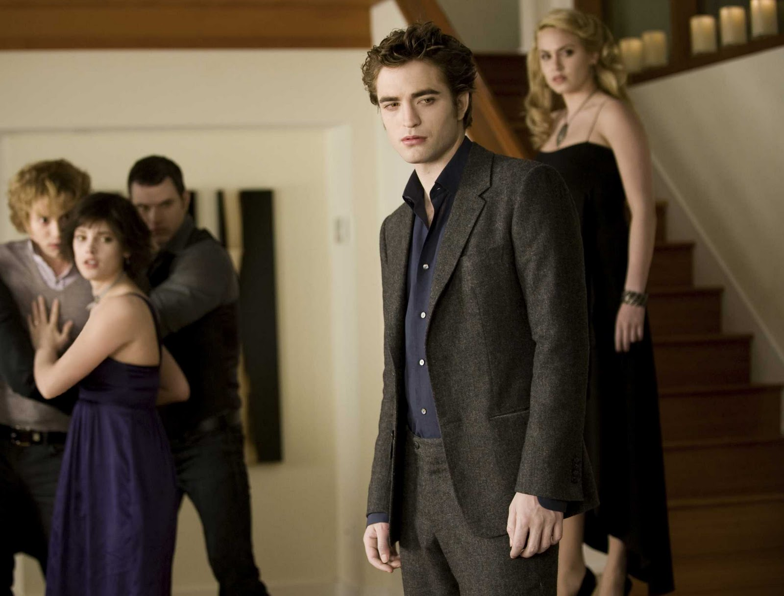 http://1.bp.blogspot.com/-dzYMMRTnxdM/TsSbihRDplI/AAAAAAAAAgs/NMbpkztVzyc/s1600/2009_the_twilight_saga_new_moon_010.jpg