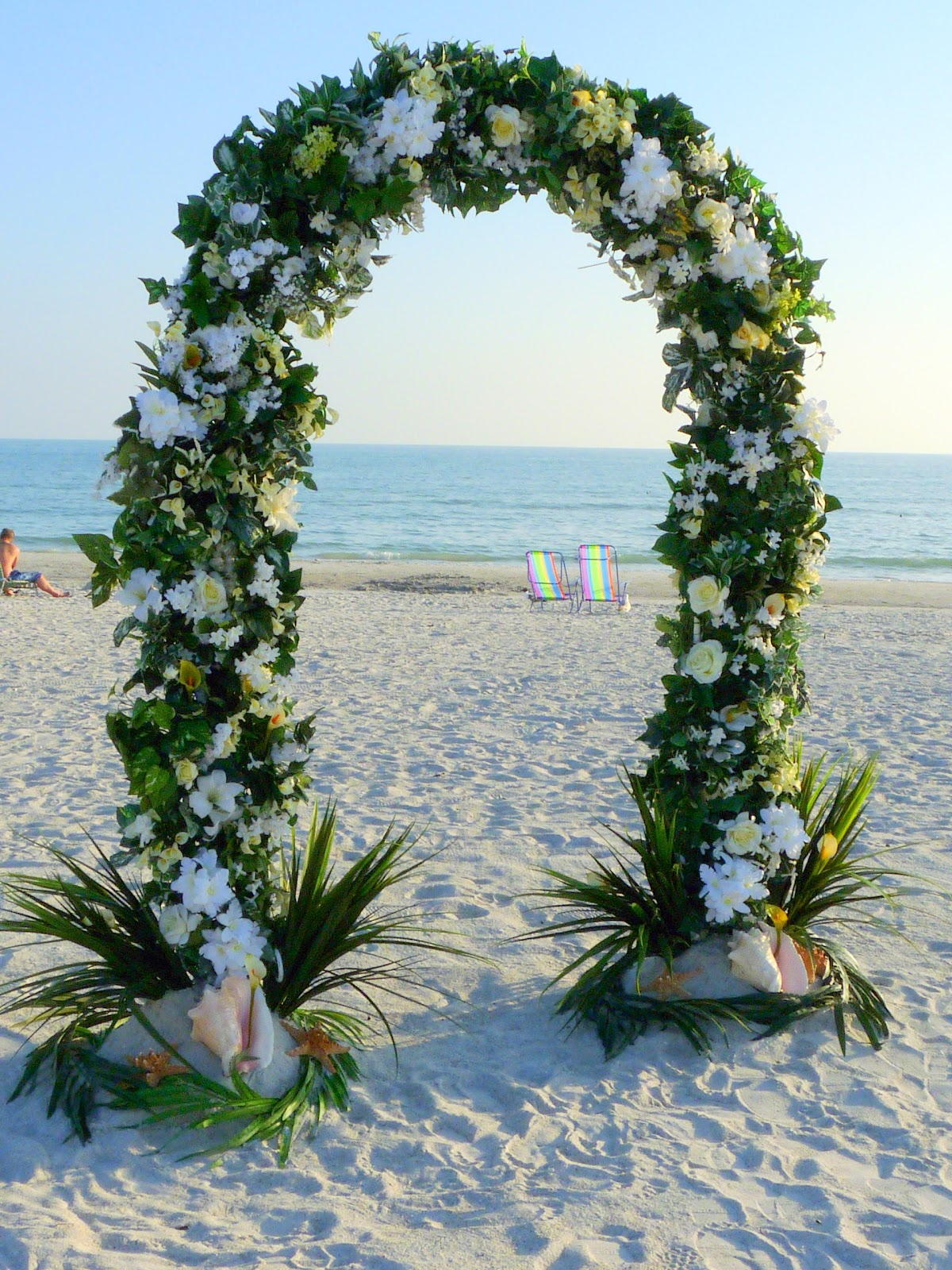 Decorating An Arch For A Wedding