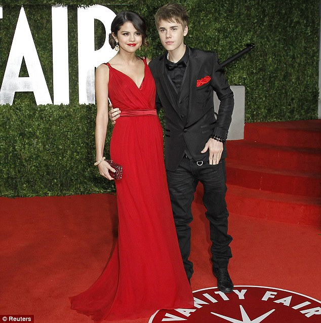 selena gomez and justin bieber singing baby. Justin Bieber and Selena Gomez