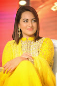 Sonakshi sinha at Lingaa event-thumbnail-17