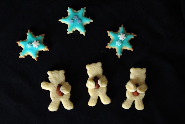 Mandel-Bärchen und Zuckerguss-Sterne