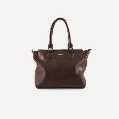 bolso marrón clásico