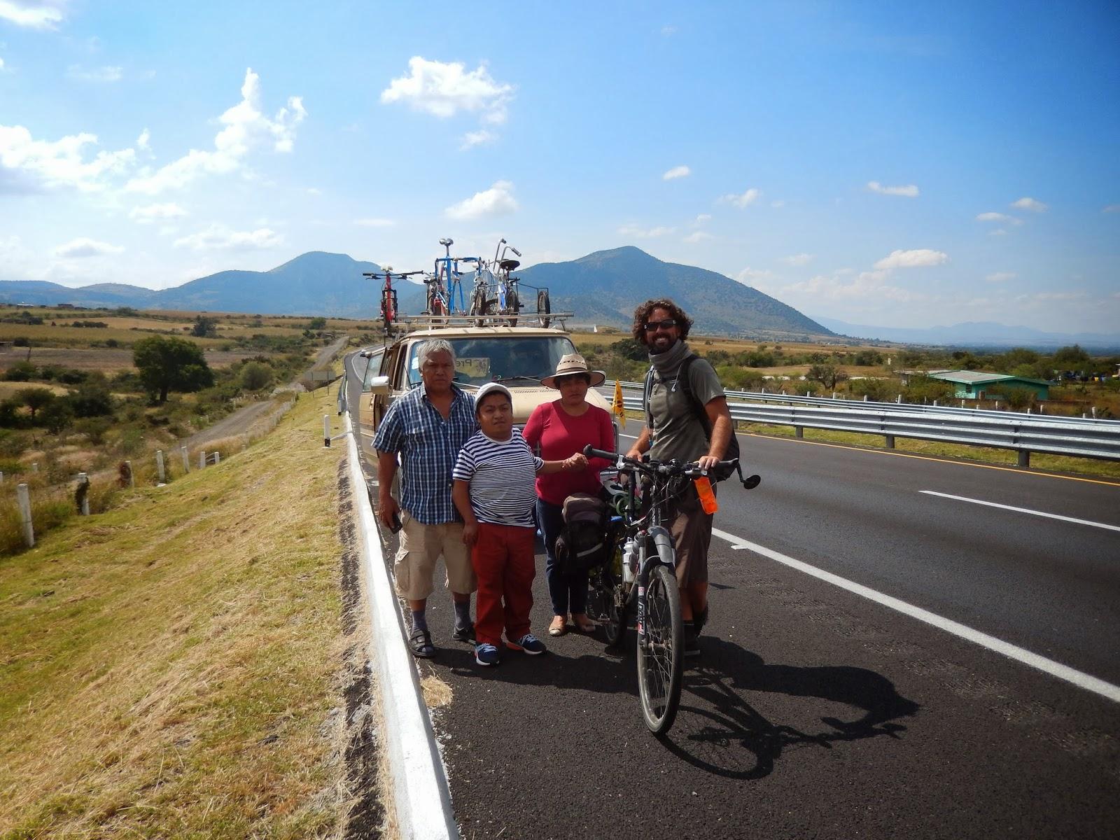 cicloturista, panamericana, bob yak, america en bicicleta