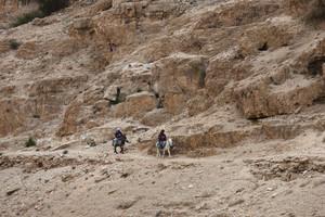 Tourists find spiritual beauty in Judean Desert