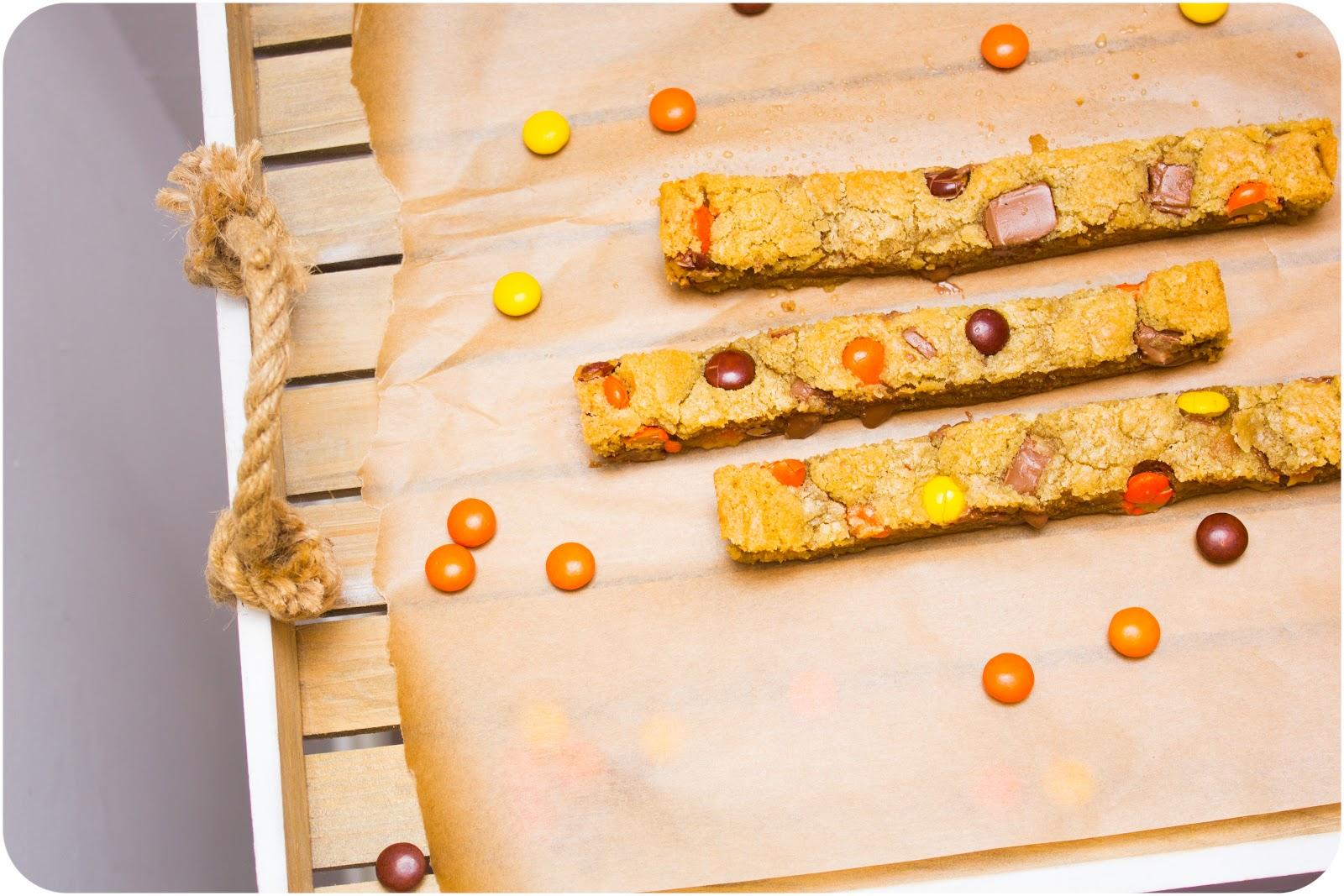 Cupcake Crazy Gem!: Peanut Butter & Chocolate Chunk Cookie Sticks