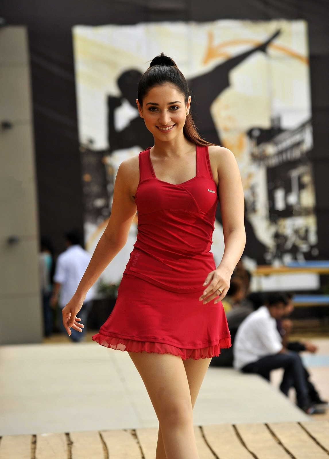 Tamanna+1 Tamanna Milky Thighs Exposed In Short Sexy Skirt