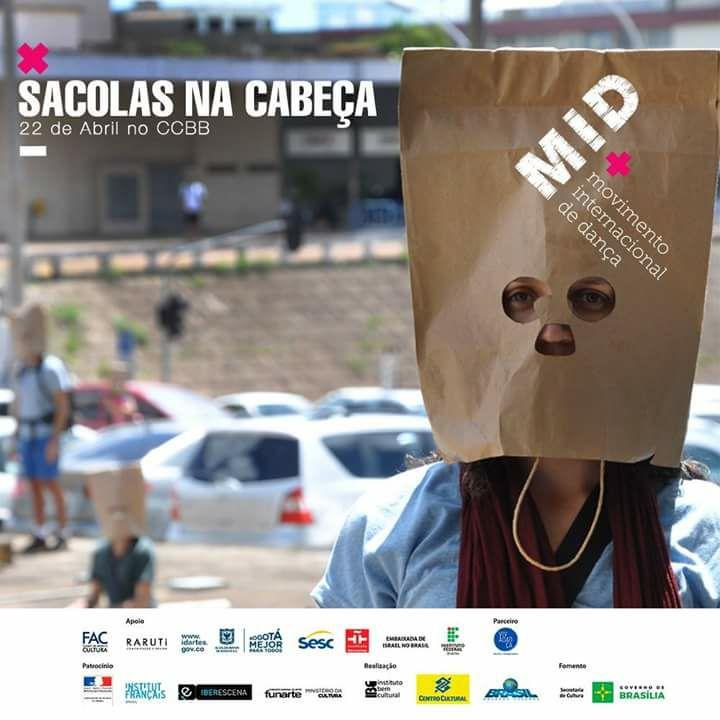 Sacolas na Cabeça no MID- movimento Internacional de Dança