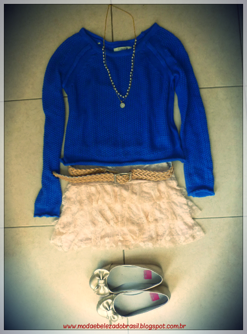 look do dia sweater azul e saia de renda rose