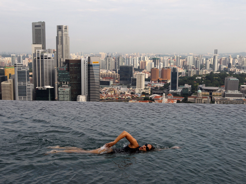 Urban galaxy marina bay sands - Singapore famous hotel swimming pool ...