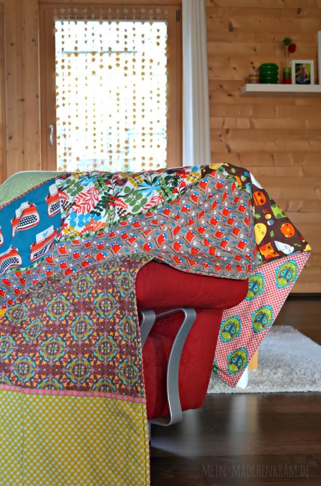 m dchenkram diy lieblings sofa patchworkdecke. Black Bedroom Furniture Sets. Home Design Ideas