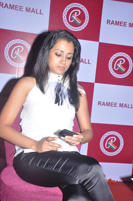trisha new @ ramee mall launch hot photoshoot