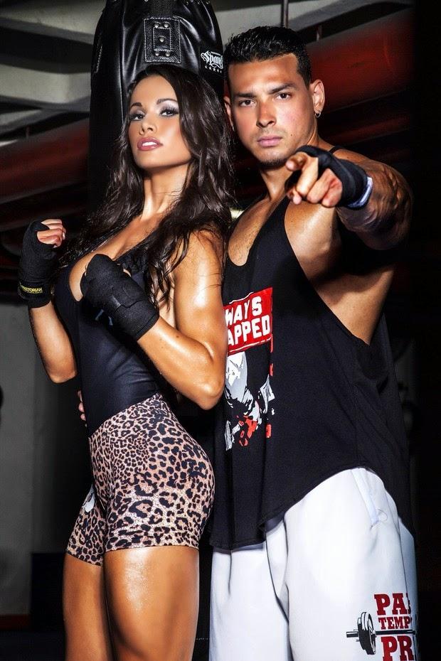 Felipe e Fernanda posam para moda fitness ao lado de cães de raça