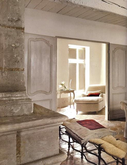 Boiserie c arredamento stile provenzale grigio miele for Arredare casa in stile provenzale