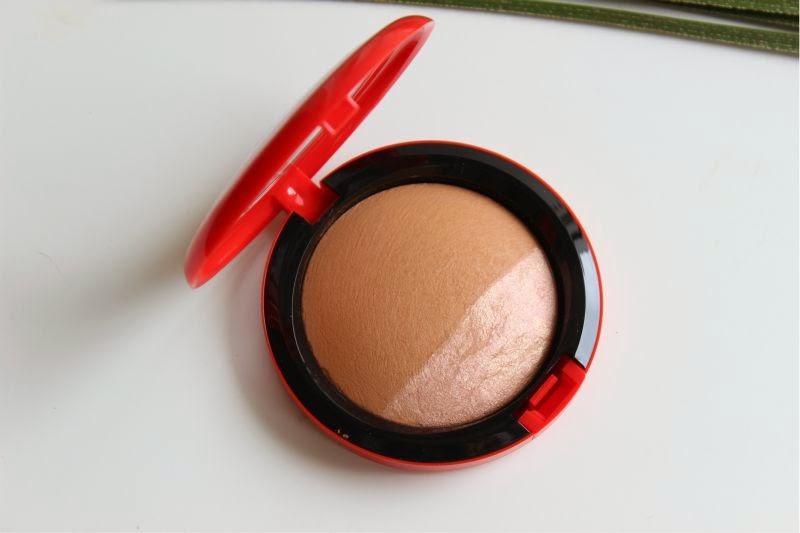 MAC Sharon and Kelly Osbourne Mineralize Skin Finishes