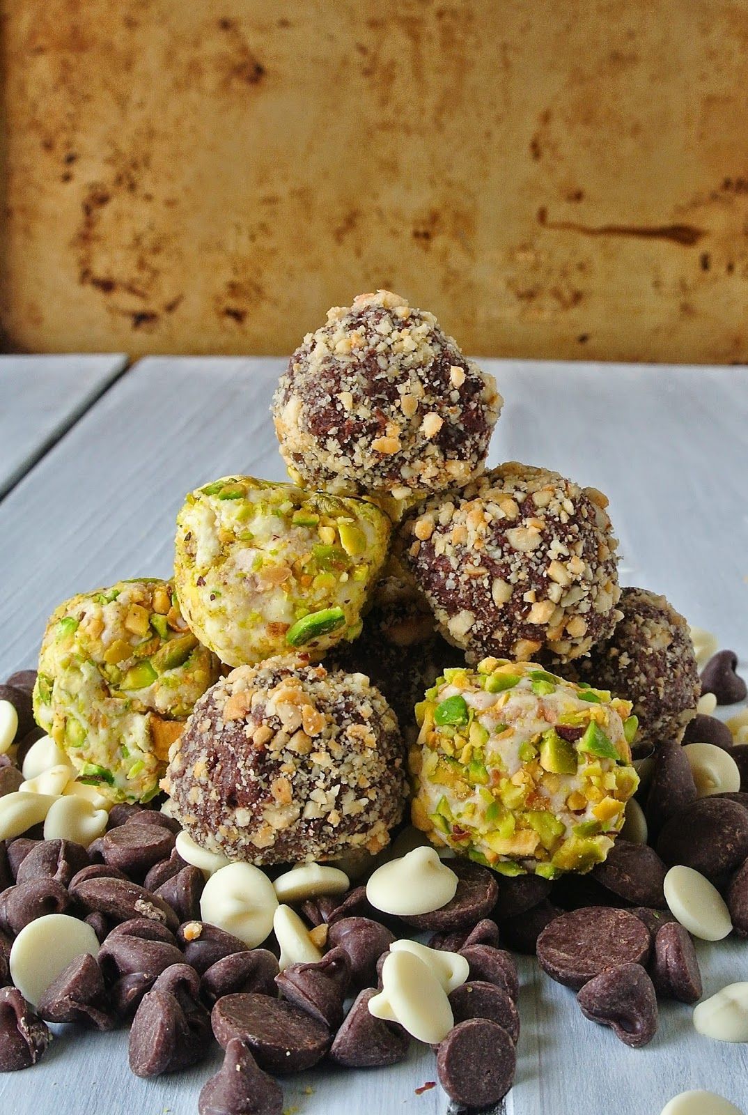 24 Candy Ideas: Cashew and Pistachio Truffles
